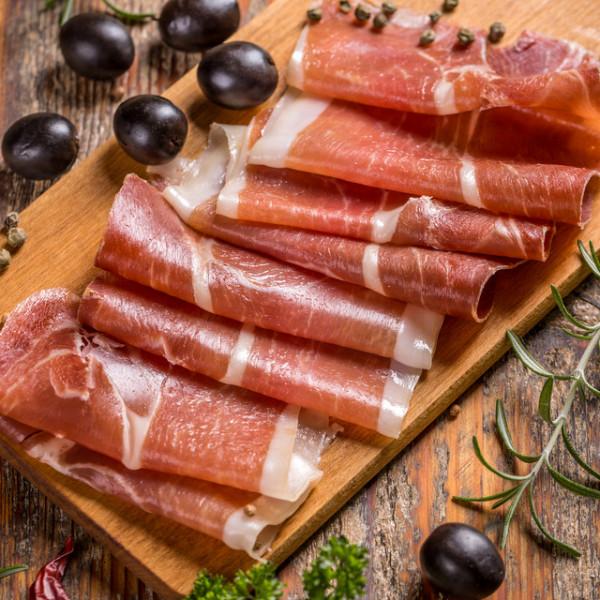 【最高品質】スモーク豚もも肉スライスベーコン 100g