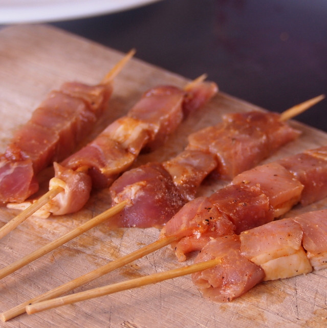 Spiced Pork Cubes 150g + 10 Skewer Sticks