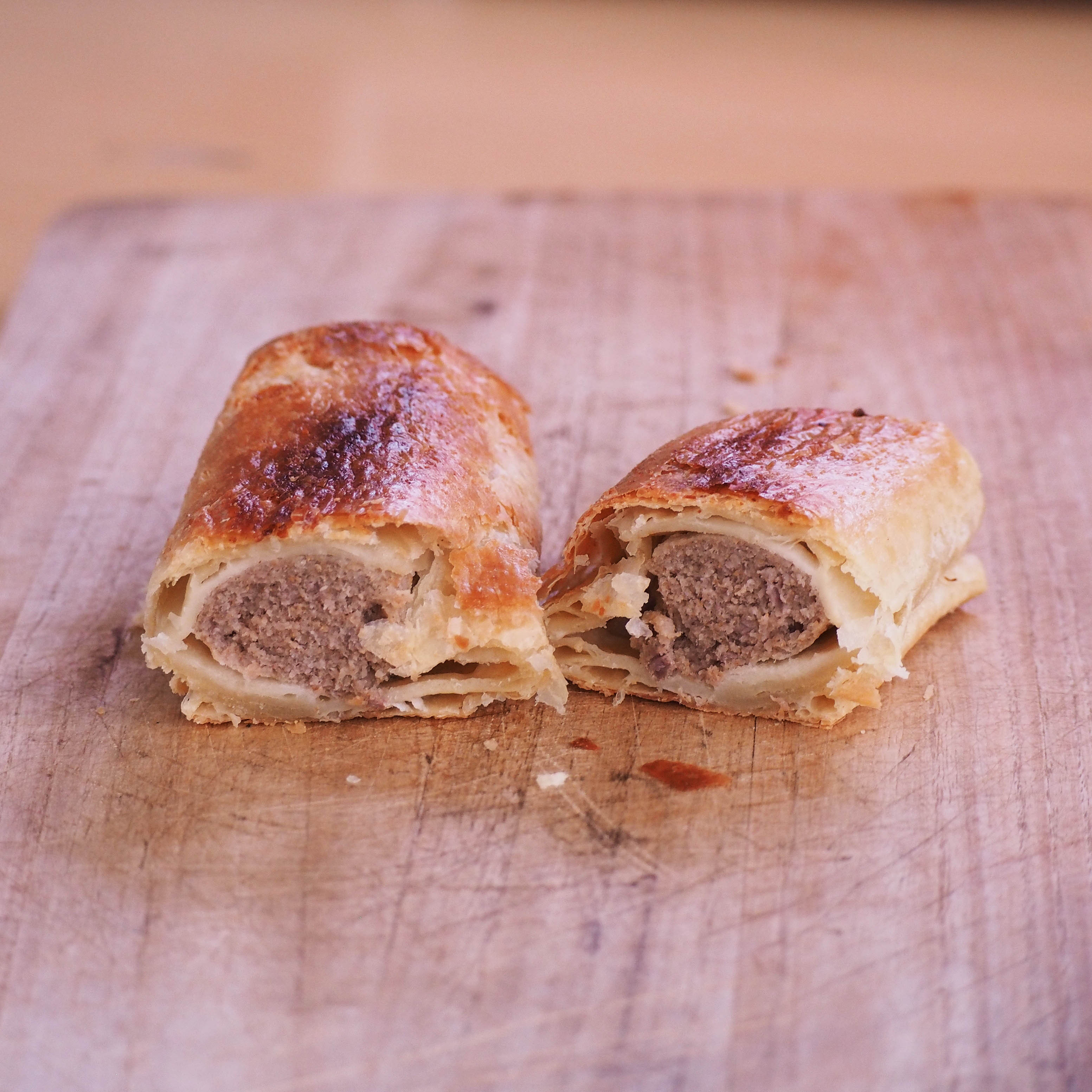 New & Exclusive! Vili's Imported Original Australian Sausage Roll (110g)