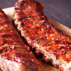 Two Baby Pork Back Ribs and & THE MEAT GUY original BBQ Sauce
